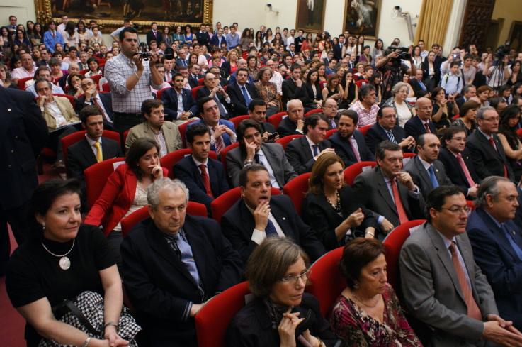 Pregón Universitario Hermandad De Los Estudiantes