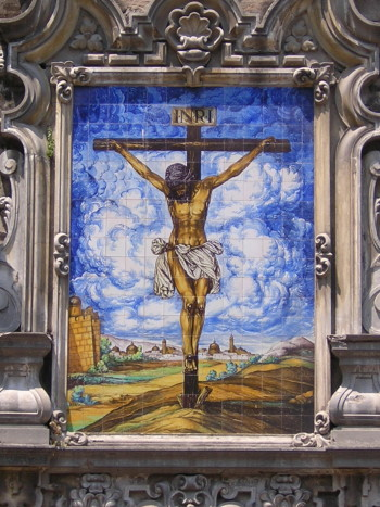Retablo del Cristo de la Buena Muerte situado en la Plaza de la Encarnación