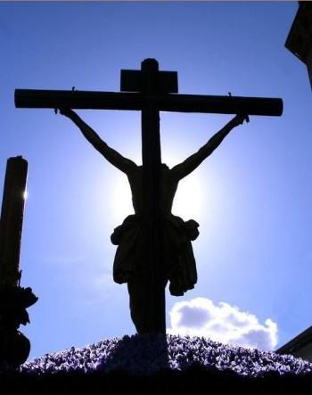 Cristo contraluz cofradia calle